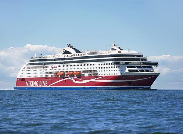 Ruotsinlaiva Viking Grace merellä.
