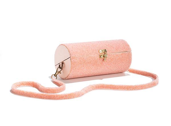Käsilaukku.